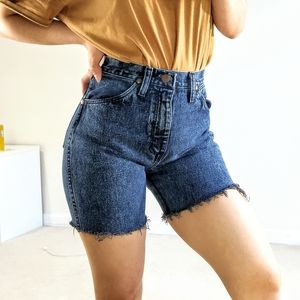 Vintage Wrangler highwaisted mom shorts